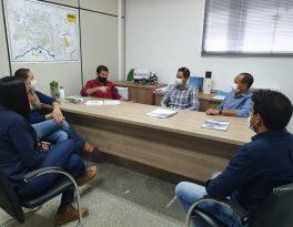 Paulo José conduz reunião entre Sanear e Construtora para tratar das obras de saneamento no Residencial Celina Bezerra
